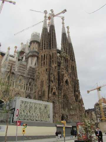 Sagrada Familia je najpoznatiji turistički objekt u Barceloni